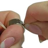 Как использовать инструмент-кольцо для работы с соединительными колечками